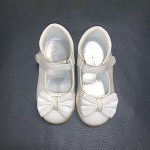 White toddle girl Shoes